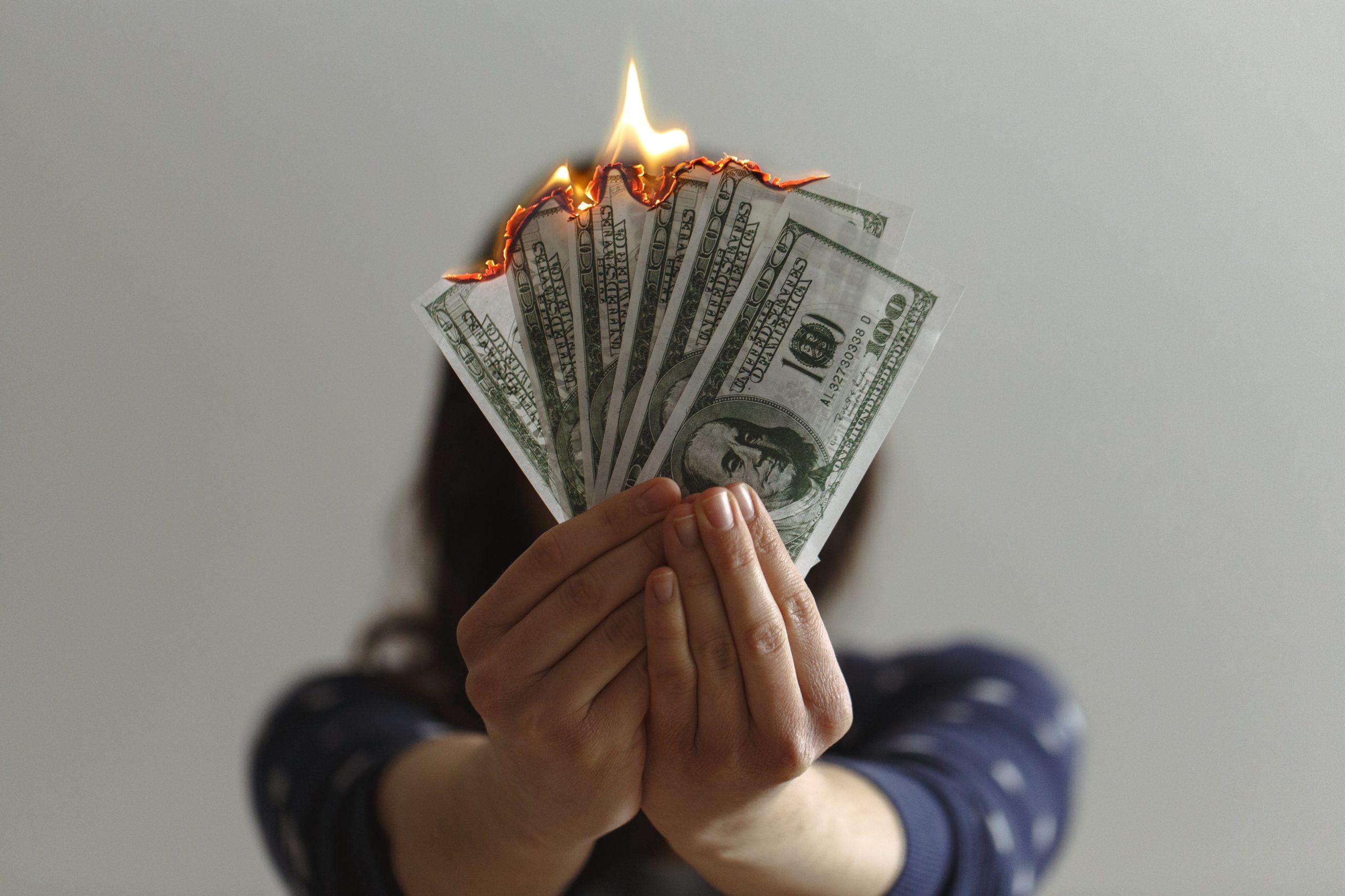 Ben jij ook altijd zo nieuwsgierig naar andermans portemonnee? Dit is het kasboekje van een 24-jarige student met al mijn uitgaven, inkomsten en investeringen | SkereStudent.com
