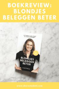Boekreview: 'Blondjes Beleggen Beter' van Janneke Willemse. Volgens Janneke kan iedereen beleggen en ik ben het helemaal met haar eens! 'Iedereen kan beleggen' is natuurlijk niet voor niets de naam van mijn gratis ebook ;) Voor veel mensen is beleggen helaas nog steeds een spannend of eng ding. Ook voor Janneke duurde het jaren voordat ze eenmaal de stap durfde te zetten, maar nadat ze serieus begon in 2013 heeft ze veel succes behaald met haar beleggingen. Hoe? Dat legt ze uit in haar boek Blondjes Beleggen Beter en op haar gelijknamige blog. Hoog tijd voor een boekreview dus!